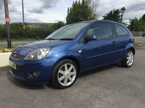 £1995 – Ford Fiesta 1.25 Zetec Blue Edition 3dr